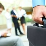 Estagiário consegue vínculo empregatício com banco por desvio de finalidade