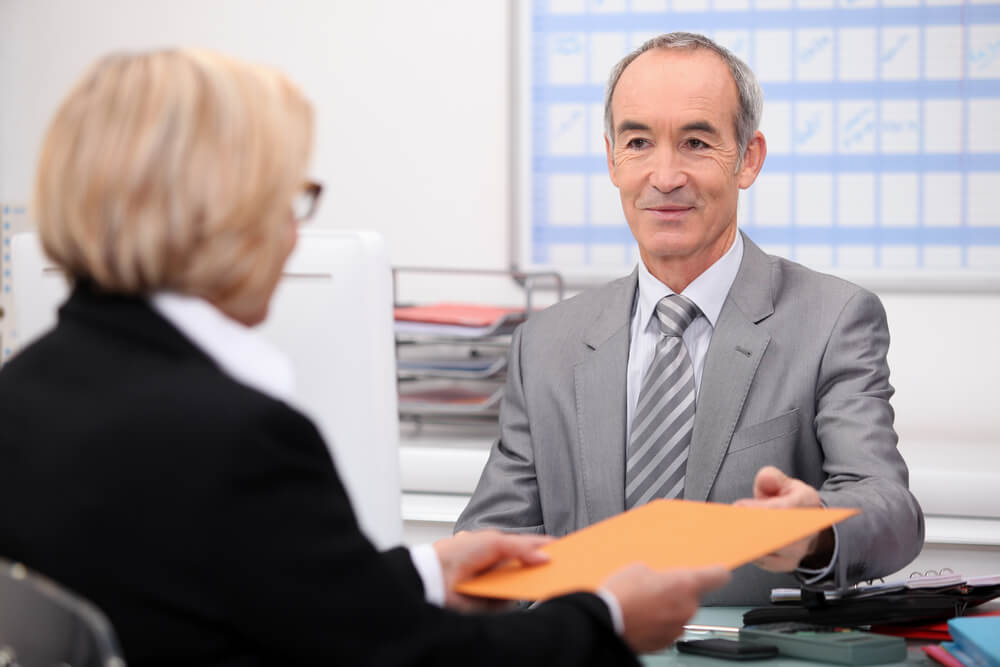 hora extra para gerente geral de banco